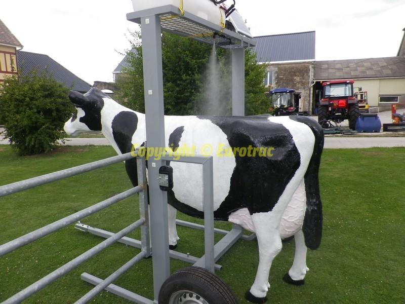 Pulvérisateur automatique pour bovins