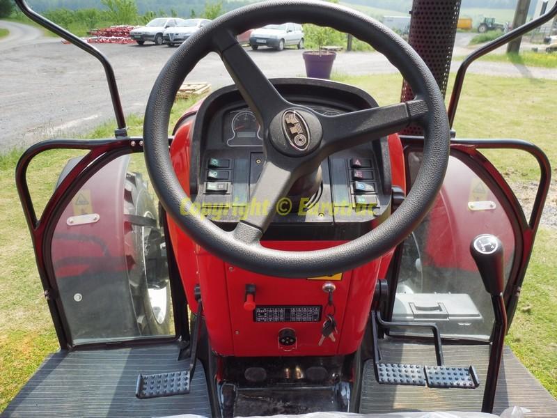 Tracteur yto x804 canopy