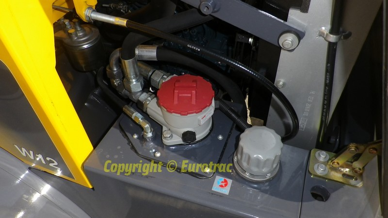 Chargeuse Eurotrac W12