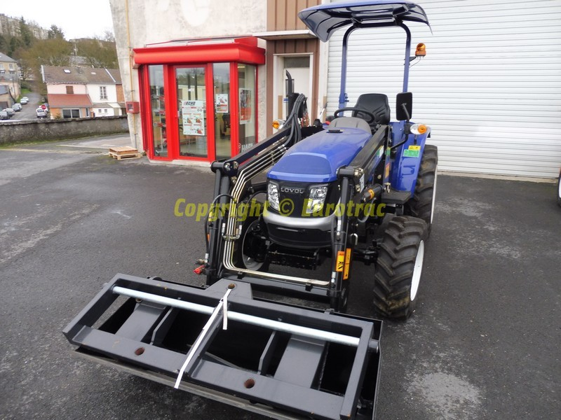 tracteur-lovol-eurotrac-M254-chargeur