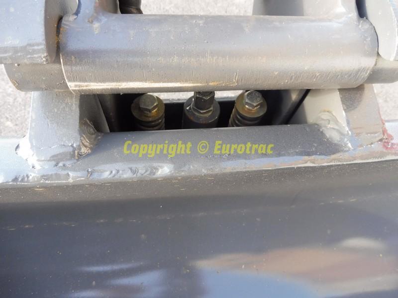 mini-pelle-eurotrac-he-18c-1